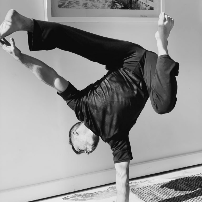 Guillermo Justel Profile Handstand Calisthenics